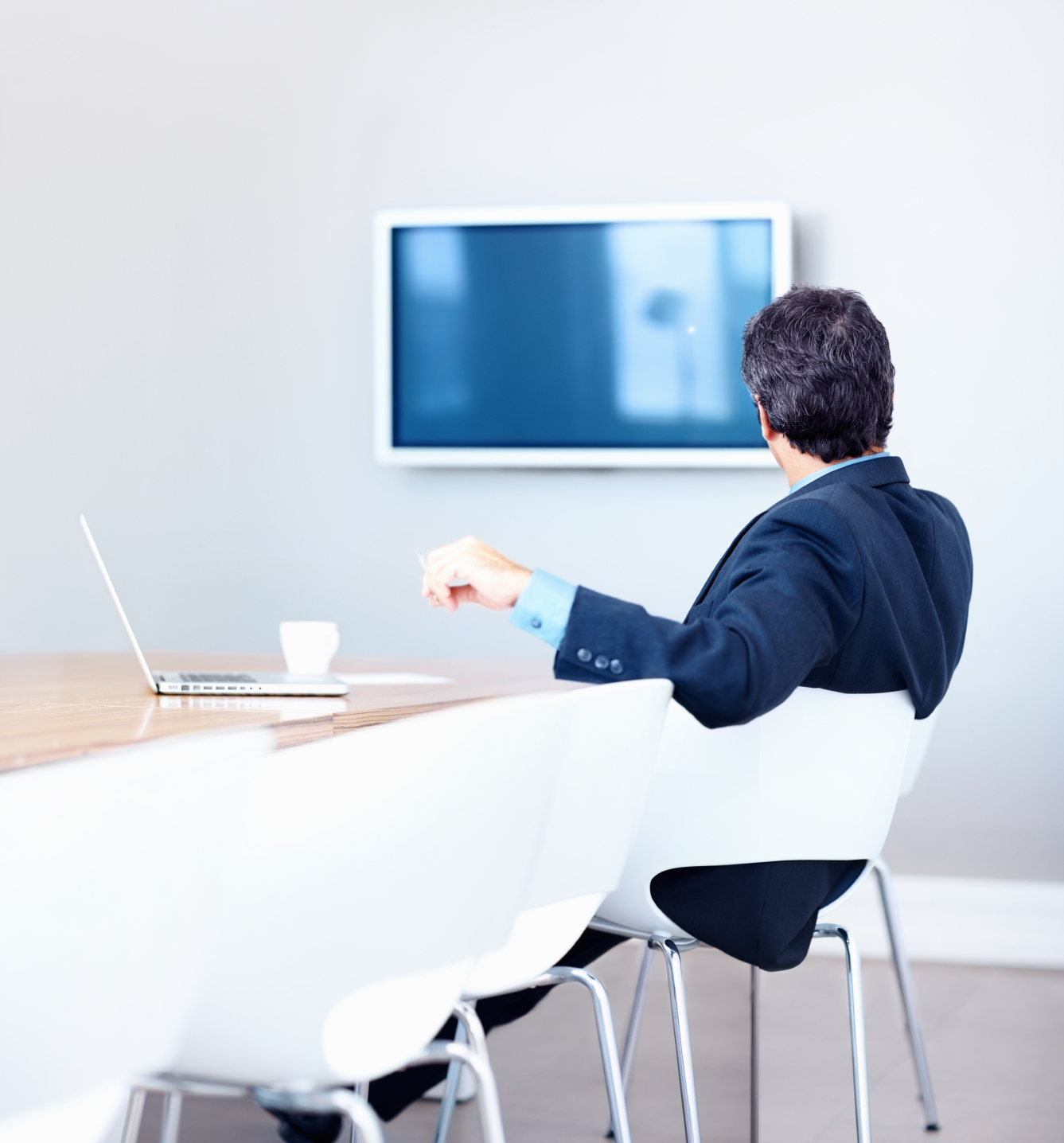 What Is The Right Size TV For A Home Office?